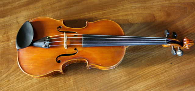 An original, signed Andrew Hume violin